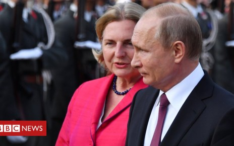 103066344 gettyimages 967841406 - Putin set to attend Austrian foreign minister's wedding
