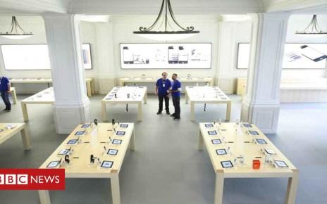103094690 applestore - 'Exploding' iPad prompts Apple shop evacuation