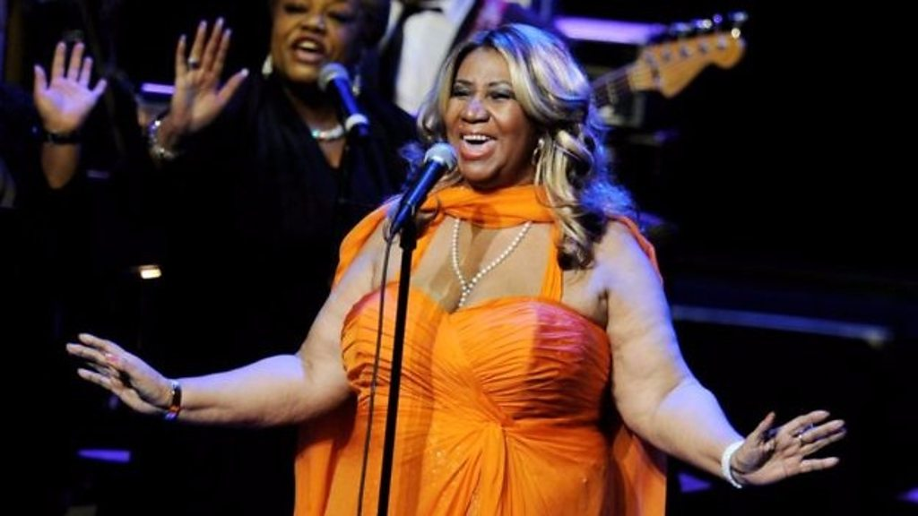 p06hnw2v - Aretha Franklin: Tributes flow in for Queen of Soul