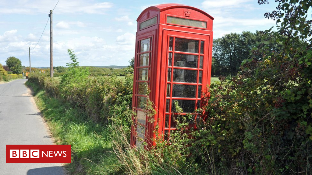 103132411 hi007840896 - Red phone box numbers fall below 200 in Northern Ireland