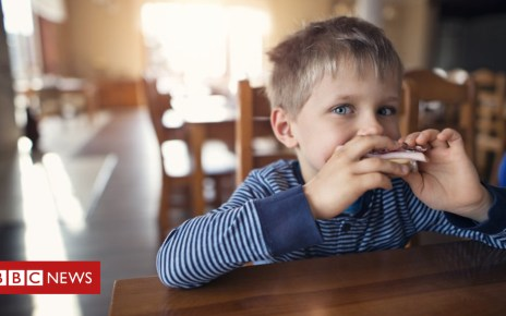 103302277 gettyimages 903213254 - Families 'can't afford to follow healthy diet guidance'