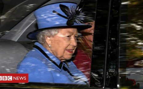103357415 gettyimages 1029751686 - Queen joined by prime minister at Crathie church service