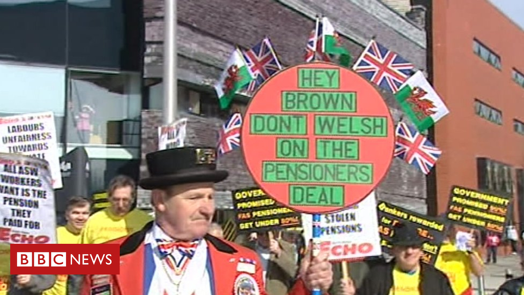 103433387 asw protest2009 - Steel pensioners 'still fighting' despite campaign win