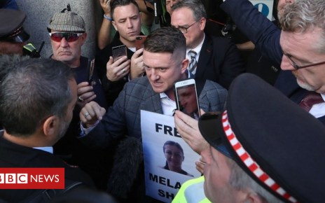 103600776 tommy afp - Tommy Robinson: Ex-EDL chief appears at Old Bailey for contempt case