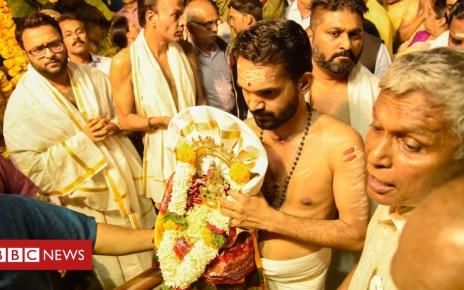 103611551 sabarimala - Sabarimala temple: India's top court revokes ban on women