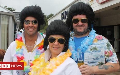 103625604 elvis4 - Over 35,000 at Porthcawl's 'very Welsh' Elvis festival