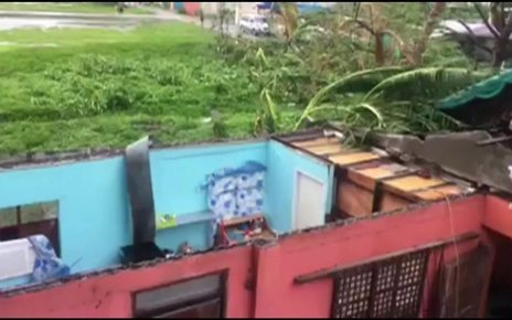 p06l7n7z - Typhoon Mangkhut: Philippines wakes to storm destruction