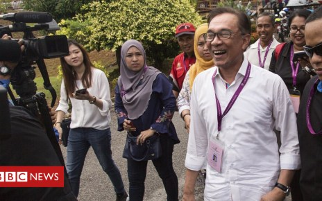 103847846 mediaitem103847845 - Anwar Ibrahim returns to Malaysian politics with by-election win