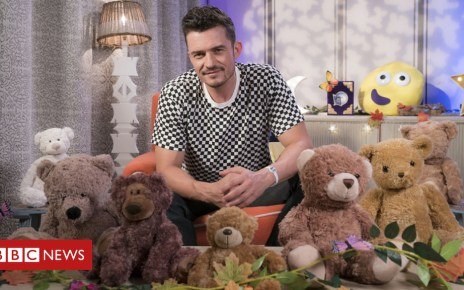 103997017 bloomtop - Orlando Bloom to read CBeebies bedtime story