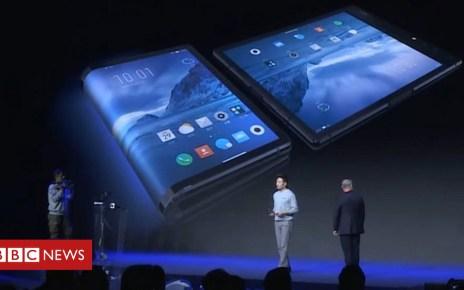 104121035 b32f319b 363f 4d02 9ab9 1e5470ef5978 - Royole's bendy-screen FlexPai phone unveiled in China