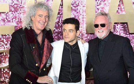 p06ppfsf - Bohemian Rhapsody: Critics say Freddie Mercury film is a kind of magic