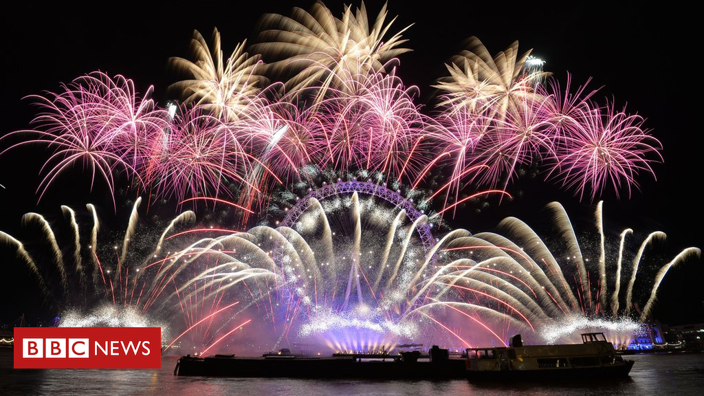 104151614 hi043792651 - Fireworks: How do they work and how are they made?