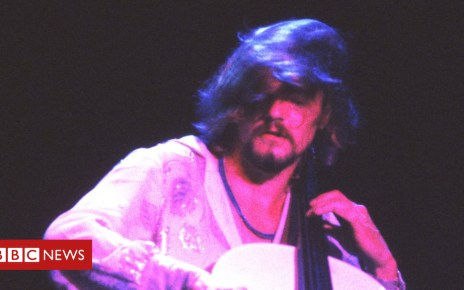 104230556 gettyimages 89984857 - ELO and Wizzard cellist Hugh McDowell dies at 65