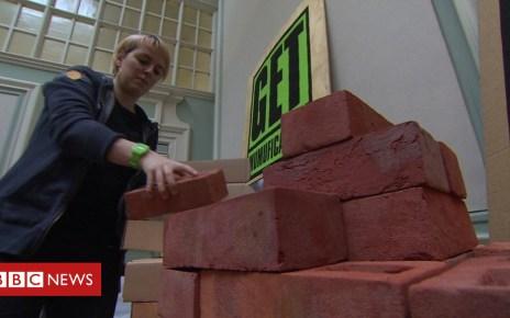104467199 p06spl8t - The KLF's Bill Drummond launches 'pyramid' scheme