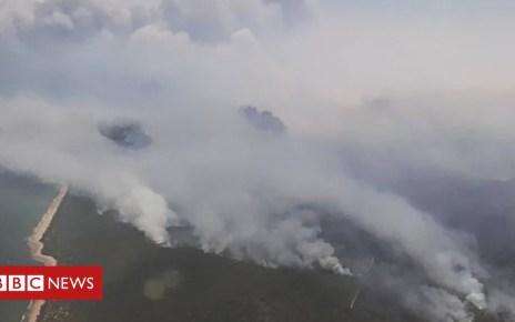 104519153 1ccd493b 4500 4d8d 9e6c f32ba036dd3e - Queensland bushfires: Thousands told to flee 'catastrophic' threat