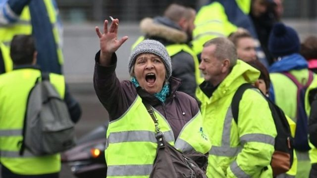 France fuel protests 039Yellow vests039 pull out of PM meeting - 'We're fed up with promises from politicians'