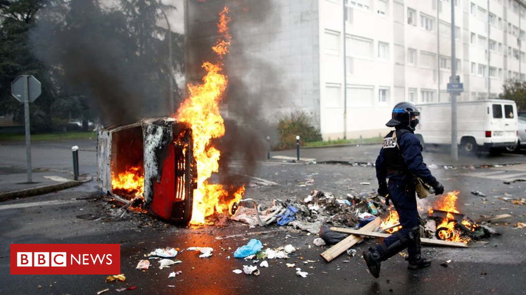 104642255 hi051024826 - France protests: Government fears 'major violence' in coming days