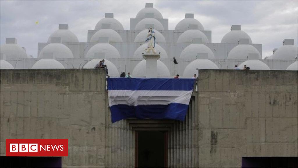 104642518 mediaitem104642514 - Acid attack on Nicaragua priest during confession