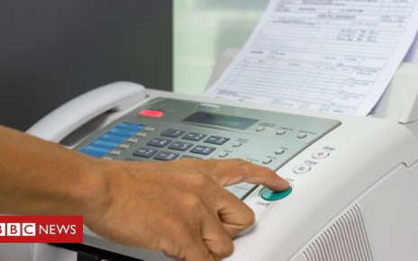104703886 gettyimages 1024483326 - Government bans fax machines in the NHS