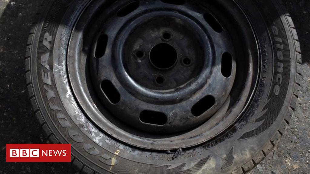 104725676 9147e625 970f 46d8 86fc 1837c81feadd - Venezuela crisis: Goodyear staff get '10 tyre' severance