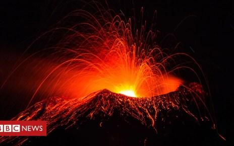 104878076 volcano1 - Warning against 'volcano tourism' risks