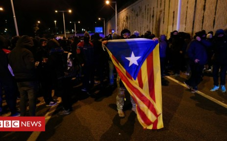 104905505 051279392 1 - Catalan protests as Spanish cabinet goes to Barcelona