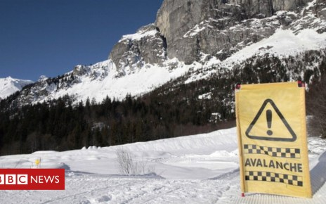 104960156 gettyimages 170473883 594x594 - Boy rescued after 40 minutes buried under avalanche