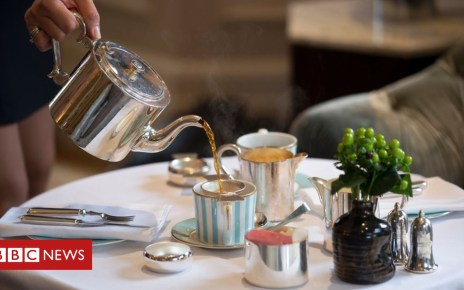 97670102 hotelgetty - UK economic growth 'stalls' as service sector slides