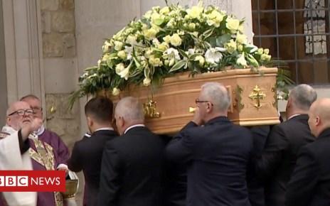 105135164 p06xqr6g - Grace Millane: Hundreds attend Essex backpacker's funeral