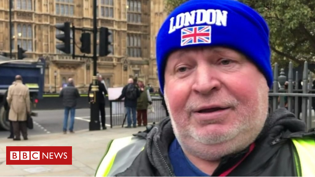 105135389 p06xqbt9 - Anna Soubry protester: 'It started peaceful, then just kicked off'