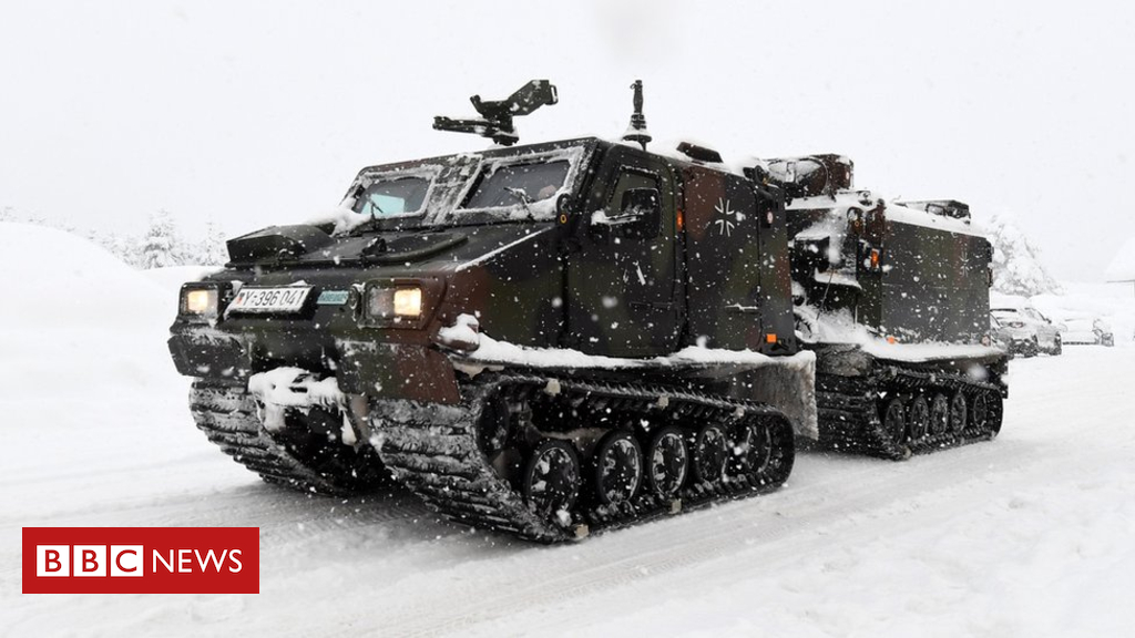 105144113 051565776 1 - Snow brings parts of Europe to standstill
