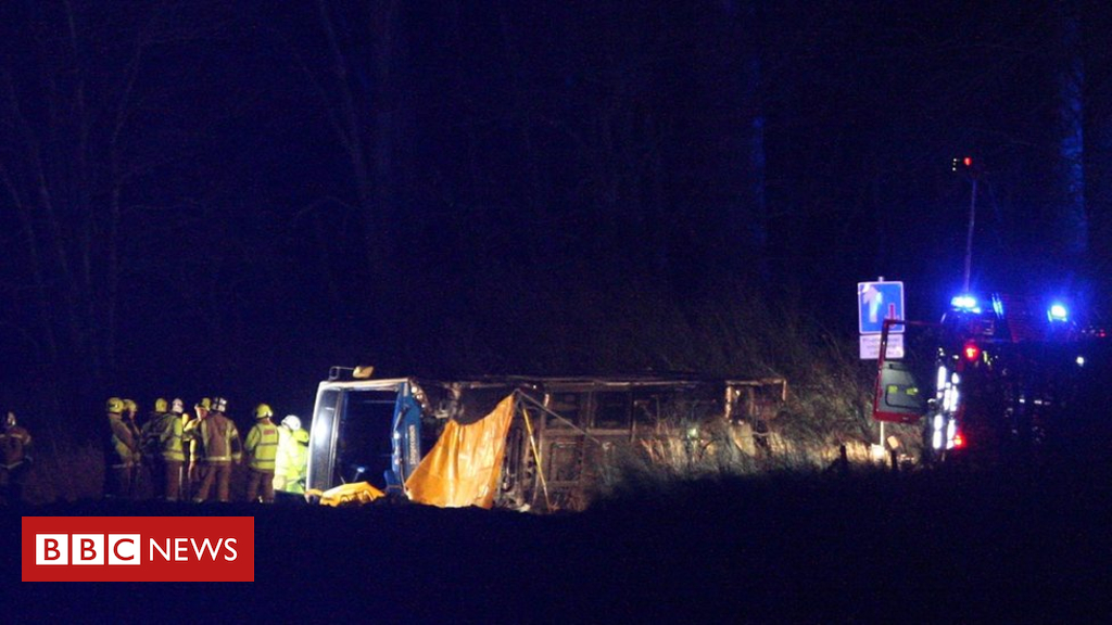 105156093 buscrash11 01 19 05 - Number in hospital following Munlochy bus crash