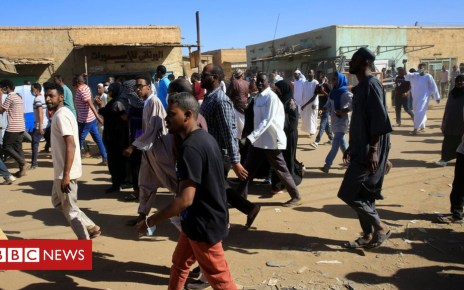 105156302 a1478322 2f69 4e18 8167 c07187dda616 - Sudan worshippers turn on imam over protests against President Bashir