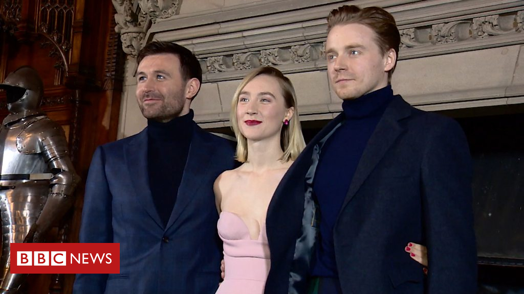 105191308 p06y4fdq - Stars of Mary Queen of Scots film attend Scottish premiere