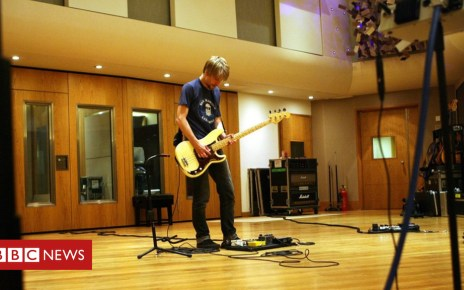105367143 ebcf5db6 cdde 49ff 8d83 fd4b84a6cccd - BBC gives new bands an Abbey Road session