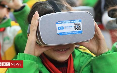 105374652 virtualreality2 - Looking ahead