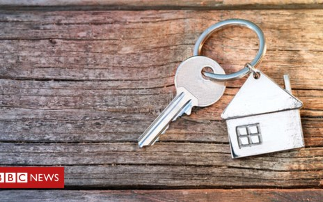 105411572 keys getty - When do people buy their first home?