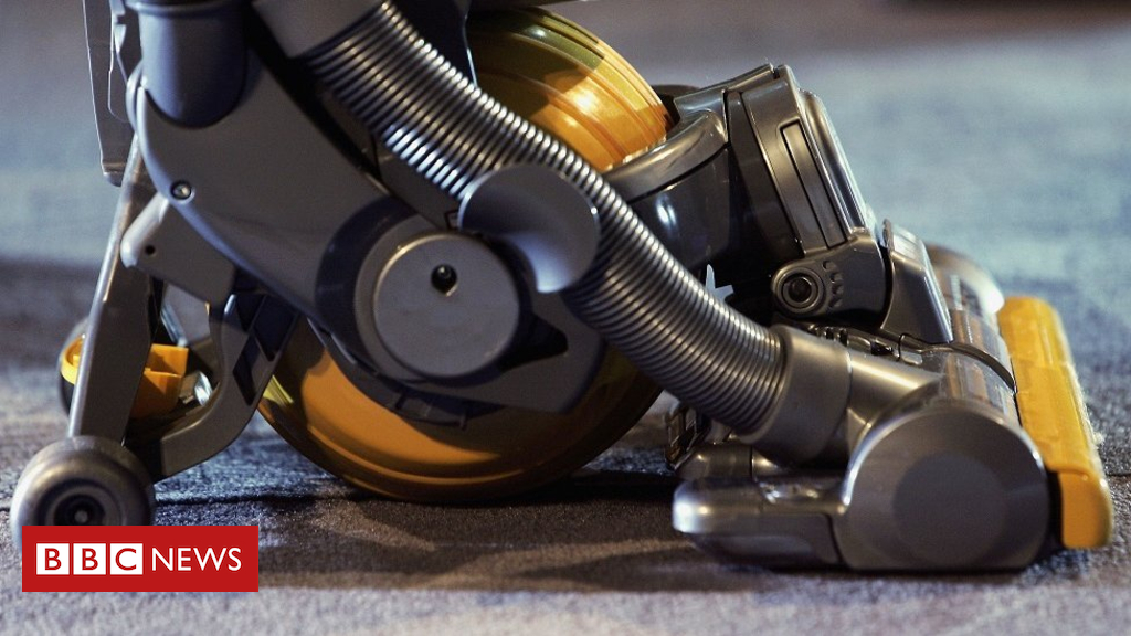 98765026 dysonvacuumcleaner - Dyson to move head office to Singapore