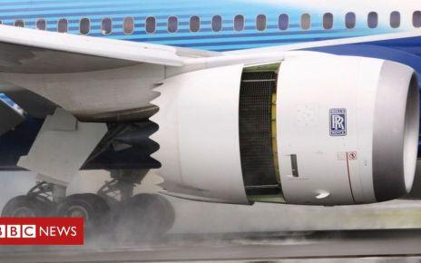 102796452 rolls.royce.trent.1000.landing.g - Rolls-Royce swings to £2.9bn loss