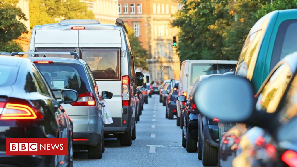 105575877 gettyimages 998658830 - Traffic jams 'cost drivers a week of their lives a year'