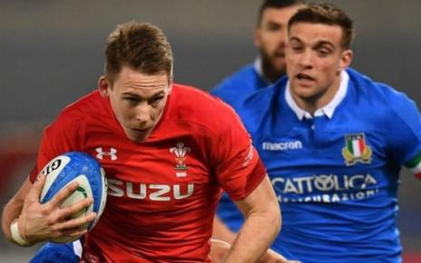 105584589 adams afp - Six Nations: Wales beat Italy 26-15 to equal record run of victories