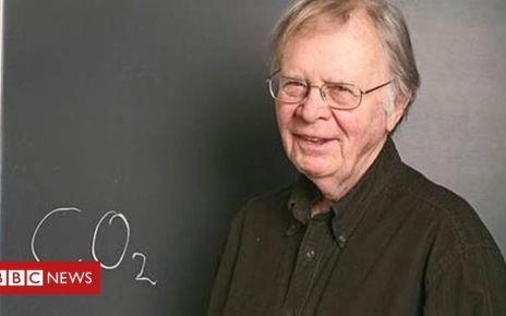 105710513 wallace broecker carousel - Climate change: Death of the 'grandfather of climate science'