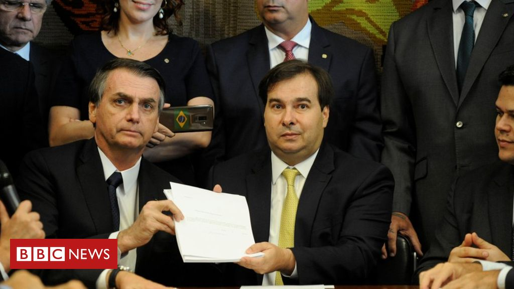 105724874 hi052444873 - Bolsonaro proposes pension overhaul for Brazil