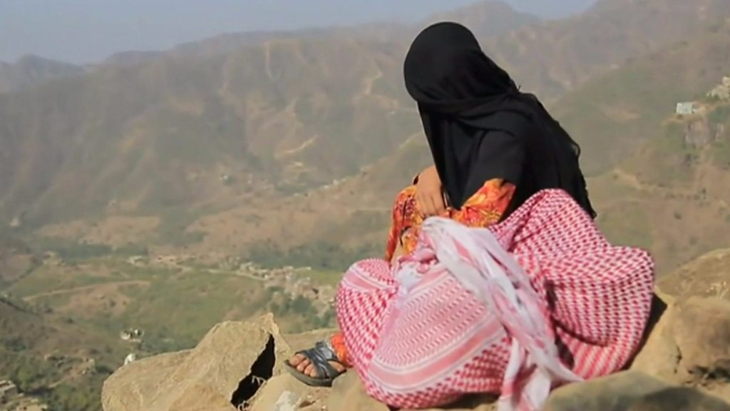 p06yg0b8 - Yemen war: UN appeals to Houthi rebels over aid