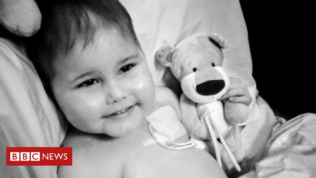 105633722 oscar1 - Oscar Saxelby-Lee: Mum 'overwhelmed' by stem cell donor campaign