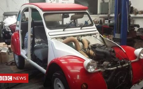 105845626 p0727chf - Stolen and stripped Citroen 2CV back to its prime a year on