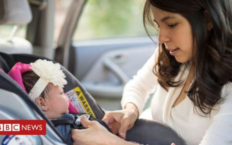 105881141 gettyimages 940326960 - Carrying baby car seats could injure new mums, experts warn