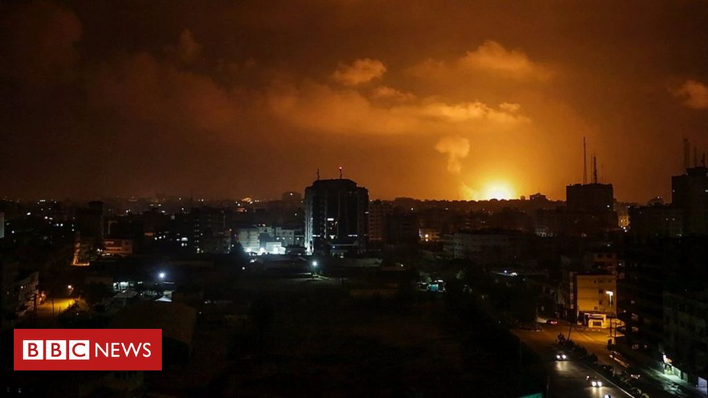 106035088 mediaitem106035084 - Israel strikes militant sites in Gaza after rockets fired at Tel Aviv