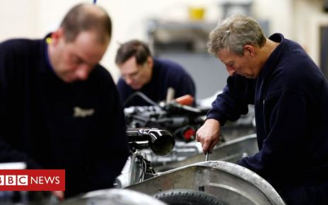 106083349 employmentphotopa - UK employment at highest since 1971