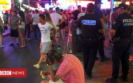 106084598 magalufnewpolafp - Majorca in drive to rein in boozy tourists